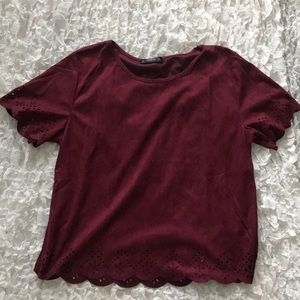 Lovely maroon top perfect for the fall
